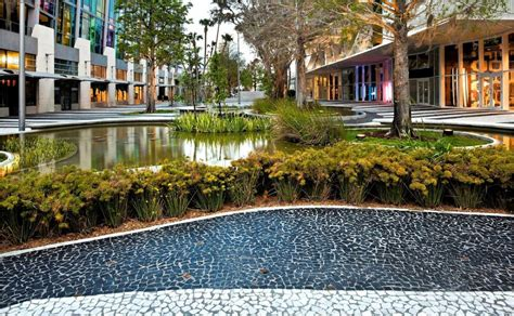 Gallery of 1111 Lincoln Road / Raymond Jungles - 19