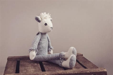 Remake Daisy the Sheep - CoolCrafting
