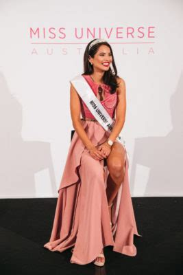 eLanka | Embrace your difference, says Miss Universe
