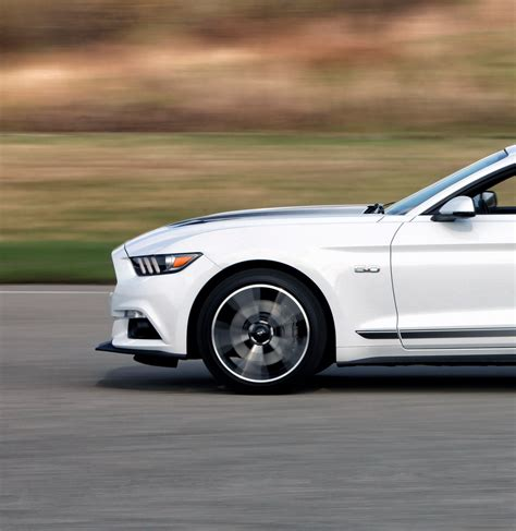 2016 Ford Mustang GT Gets Hood Vent Turn Signals, New