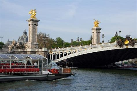 Bateaux Parisiens (Paris) - All You Need to Know Before