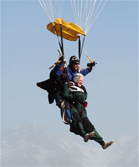Elderly woman goes skydiving on a whim - national   Stuff